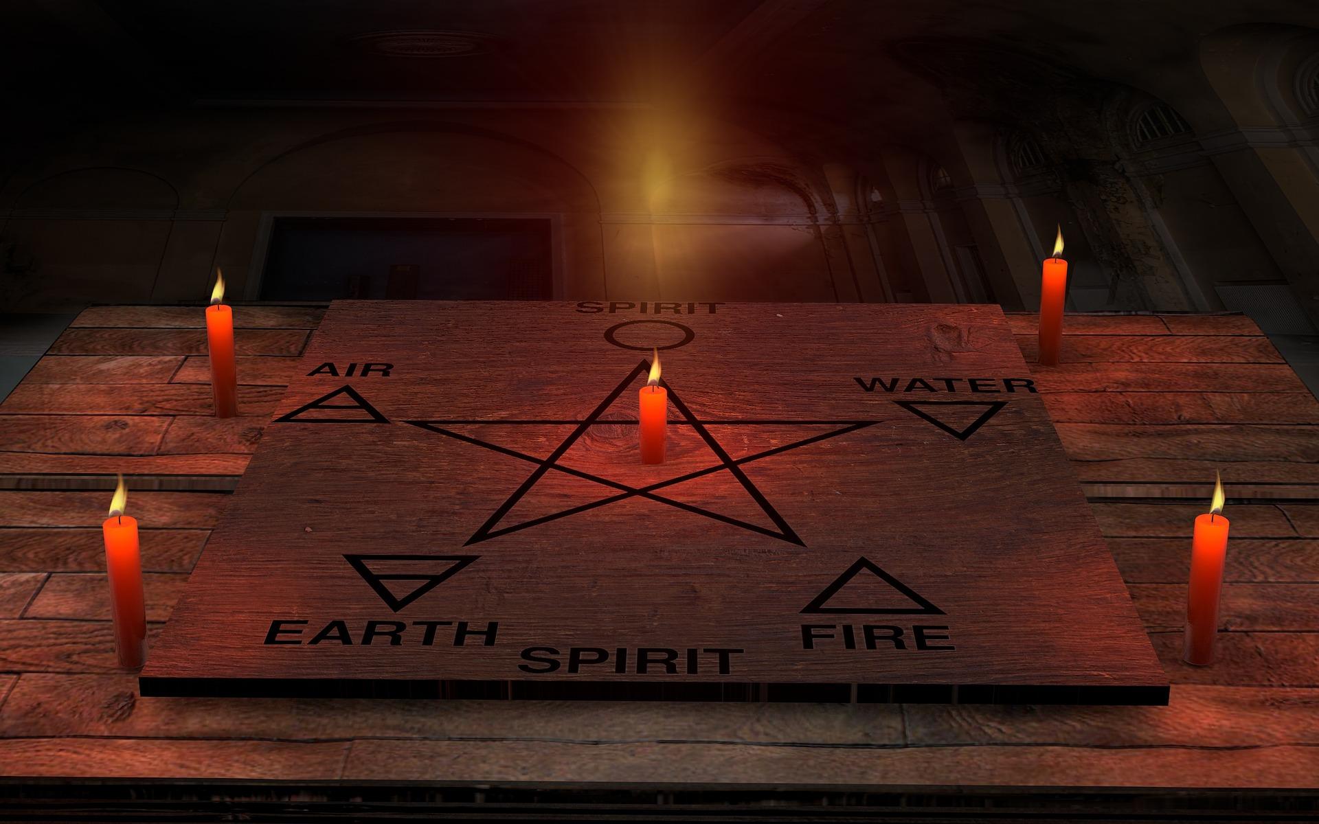 candles-2681068_1920.jpg