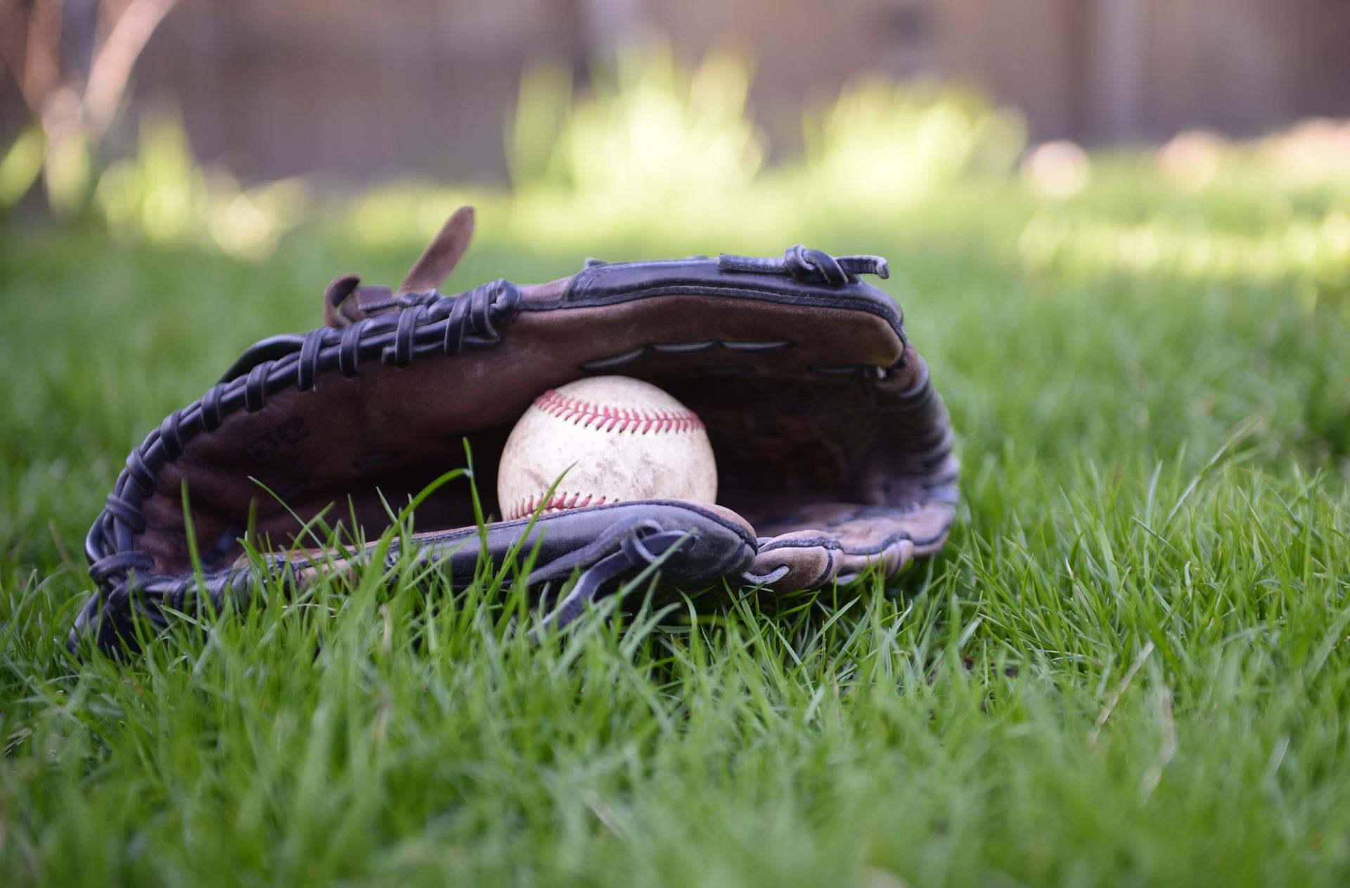 baseball-4182179_1920.jpg