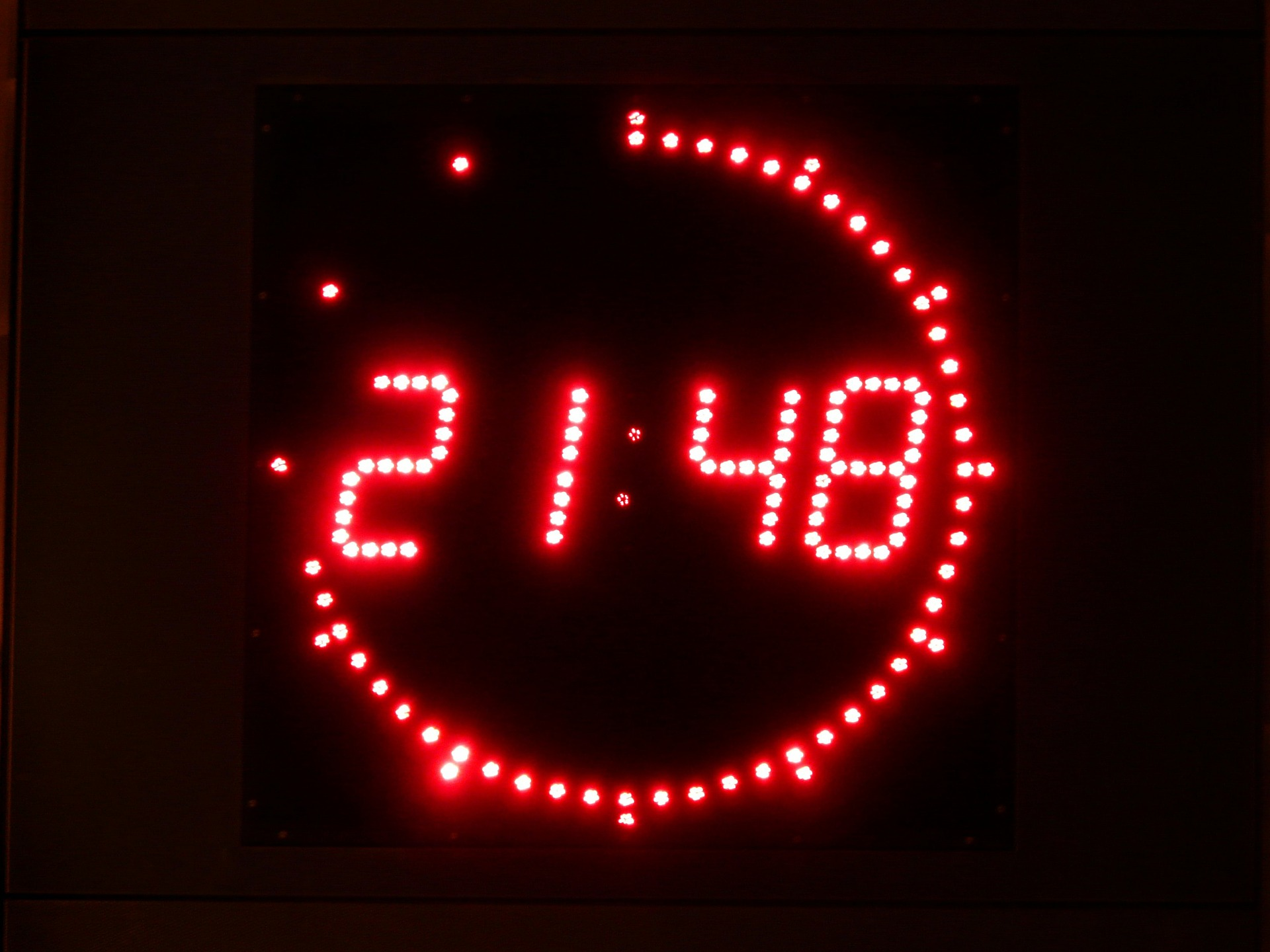 digital-clock-5689_1920